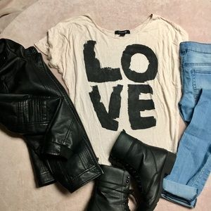 "Forever 21 Tops - 🌺bogo🌺F21 tee black and white ""LOvE"" top"